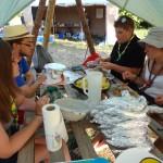 Préparation du repas trappeur de la veillée fiesta !